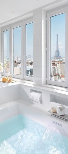 Paris bathroom, wow