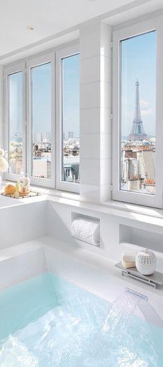 Paris bathroom, wow
