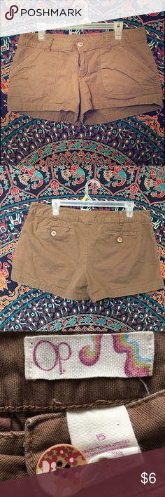 Brown Khaki Shorts Brown Khaki Shorts from OP size 15 OP Shorts