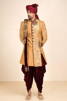MFS golden embroidered sherwani with maroon velvet patyala salwar #flyrobe #groom #groomwear #groomsherwani #sherwani#lightsherwani #flyrobe #wedding #designersherwani