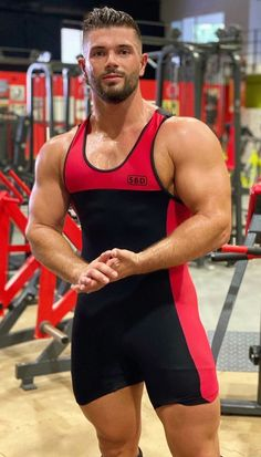 Hairy Men, Bearded Men, Little Bit, Sexy Shirts, Tights Outfit, Athletic Men, Attractive Men, Male Beauty, Male Body