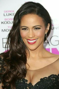 Paula Patton is sleek and sexy in Parade Design! Paula Patton was HOT, HOT, HOT at the premiere of her new flick Baggage Claim. Our curvy diamond dangling earrings, style perfectly complemented her slinky black lace and leather dress! Fine Curly Hair, Natural Wavy Hair, Natural Afro Hairstyles, Long Wavy Hair, Funky Hairstyles, Long Hair Cuts, Wedding Hairstyles, Natural Hair Styles, Long Hair Styles