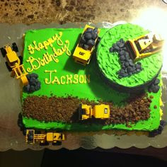 Tractor cake, good idea for little boys birthday one day!!