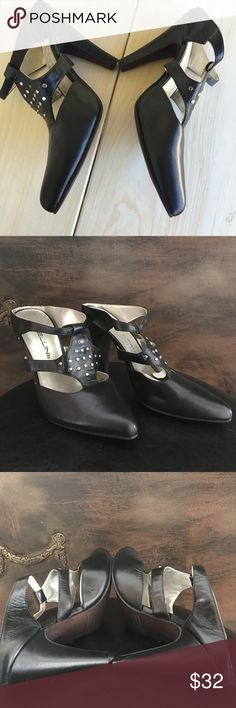 Bellini Black Pumps  Sz8 Italian Brand NEW Super classy for confident ladies only - it's a dark navy color super comfortable sitting in my closet - approx 3 in heel - Bellini Shoes
