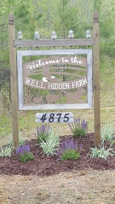 """New entry sign to the """"farm"""". Up cycled the top piece from an old electrical pole. Driveway Sign, Diy Driveway, Driveway Entrance, Farm Entrance, Entrance Ideas, Farm Signs, Garden Yard Ideas, Outdoor Signs, Business Signs"""