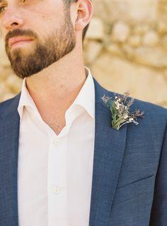 L-buttonhole-flower-ideas-groom