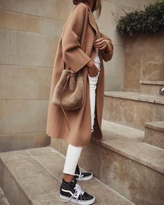 Comment with a 🐫 if you're into this camel coat look! Look Fashion, Fashion Outfits, Womens Fashion, Fashion Trends, French Fashion, 90s Fashion, Fashion Ideas, Fashion Tips, Fall Winter Outfits