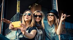 7 Ways To Make New Friends As An Adult, Because It's Not As Easy As It Sounds | Bustle