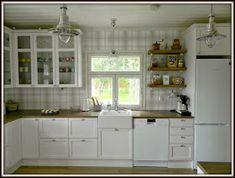 Maalaiskoti Myllyhaassa : Kurkistus keittiöön Penne, Ikea, Kitchen Cabinets, Retro, Home Decor, Kitchens, Projects, Decoration Home, Ikea Co