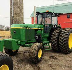 Old John Deere Tractors, Jd Tractors, Tractor Cabs, Work Horses, Heavy Machinery, Classic, Garden, Unique, Derby