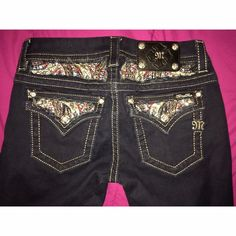 Miss me jeggings Very cute miss me jeans! Good condition, worn once. All rhinestones are still intact, very nice looking. Dark wash jeans. Size: 27 Inseam: 33 Miss Me Pants Skinny