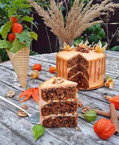 Приглашаю вас довериться мне и приготовить этот модный морковный торт со сметанным кремом. Пять раз я его делала. Все пять раз это было нечто невероятное!