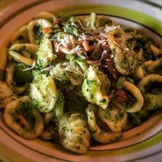 My Vegan version of a traditional Sicilian recipe: orecchiette with broccoli. Now on www.theveganitalian.net #vegan #italianfood #sicily #broccoli #orecchiette #lovefood