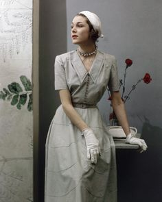 Pale hued 1940s daywear elegance. #vintage #fashion #1940s #dress #hat