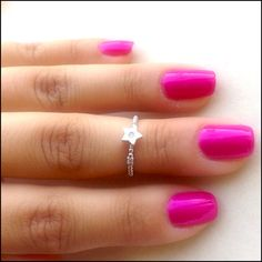 Delicate Star Knuckle Ring