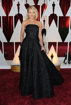 *-*Oscars Red Carpet 2015 -  US-OSCARS-ARRIVALS Kelly Ripa arrives on the red carpet for the 87th Oscars on February 22, 2015 in Hollywood, California. AFP PHOTO / VALERIE MACON (Photo credit should read VALERIE MACON/AFP/Getty Images)