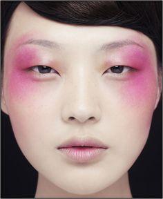 Monolid Love Monolid Love – Das schönste Make-up Beauty Make-up, Beauty Shoot, Beauty Hacks, Asian Beauty, Beauty Tips, Pink Makeup, Makeup Art, Hair Makeup, Make Up Looks