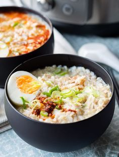 Easy Recipe for Instant Pot Congee. This is a chicken and rice porridge that is a real comfort food. Make this easy recipe for a Chinese meal. Great for breakfast, but hearty enough for lunch and dinner. Get the recipe on The Worktop. Rice Congee, Breakfast For A Crowd, Breakfast Ideas, Savory Breakfast, Brunch Ideas, Dinner Ideas, Easy Chicken And Rice, Porridge Recipes, Kitchens