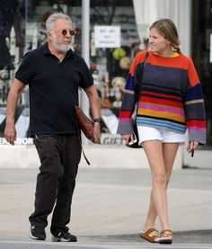 Dustin Hoffman looks unrecognizable with a grey beard and trendy oval sunglasses as he goes shopping with his daughter, LA.   • Celebrity WOTNOT  --------------- For further information on these stories and images please visit www.celebritywotnot.com. These Images are ©Atlantic Images. No use without permission.