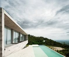 Widescreen House in Mexico by RZERO