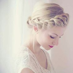Soft Updo.. I really like this one actually. I'm not thinking of braids for grad hair, but this i like.