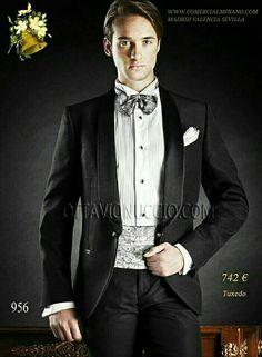 #Tuxedo #Smoking #Dinner WWW.COMERCIALMOYANO.COM BESPOKE EXCELENCIA ONLINE Www.ottavionuccio.com