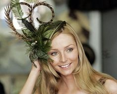 What's a fascinator? | Inspirations By Gina – Wedding Planning
