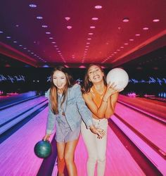 Bowling pictures Photos for best friends. Photographs in the bowling alley Related posts:🤩🌆 ig: # dövme Cute Friend Pictures, Best Friend Pictures, Bff Pics, Friend Pics, Family Pictures, Best Friend Goals, My Best Friend, Bowling Pictures, Best Friend Photography