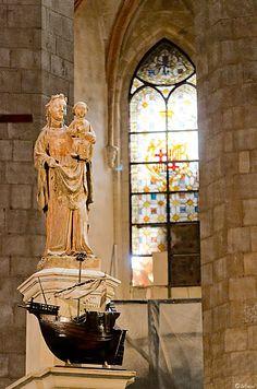 Santa Maria del Mar en su catedral en Barcelona.