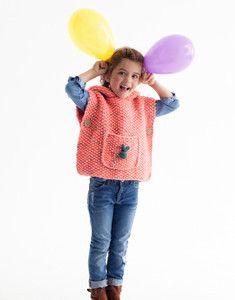 modèle de poncho sans manche à capuche enfant facile à tricoter
