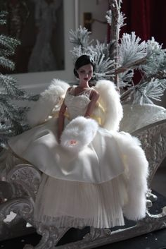 This girl sort of looks like her husband died but she just doesn't care Barbie Bridal, Barbie Wedding Dress, Barbie Gowns, Doll Clothes Barbie, Barbie Dress, Barbie Mode, Bad Barbie, Muñeca Diy, Christmas Barbie