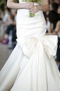 oscar de la renta bow dress
