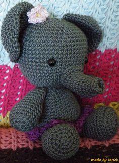 Amigurumi elephant Roosje