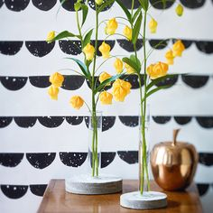 Deko aus Beton: Flowers on the rocks (Blumenvasen)