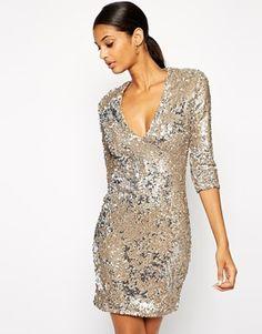 TFNC – Figurbetontes Kleid mit Pailletten und tiefem Ausschnitt