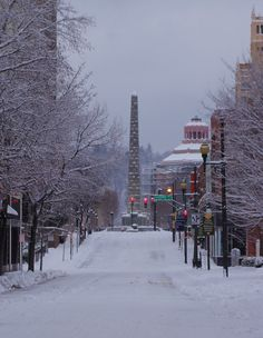 Patton Avenue after a snowy night in downtown Asheville NC -- been there and done this. Had dinner at the Lobster Trap and watched the snow fall. So beautiful! Asheville North Carolina, Downtown Asheville Nc, Western North Carolina, North Carolina Mountains, North Carolina Homes, West Asheville, Nc Mountains, Appalachian Mountains, Carolina Usa