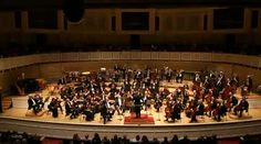 <p>From one championship team to another: Riccardo Muti and the Chicago Symphony Orchestra capped off a day of celebration by…</p>