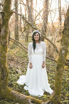 Bohemian vintage inspired wedding dress by Charlie Brear. Photography by aledgarfieldphotography.co.uk