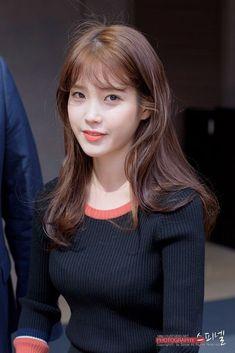160921 Sony launch event after work jikjjik IU by IU spinel :: Studio Afro, Korean Actresses, Shoulder Length Hair, Girl Day, Beautiful Asian Girls, Korean Girl, Kpop Girls, Asian Beauty, Girl Fashion