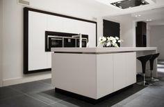 Keuken ontwerp Paul van de Kooi. Ook mooi kasten weggewerkt