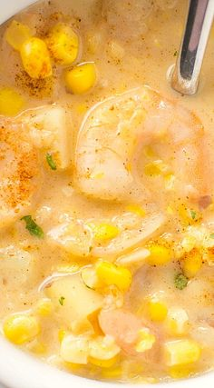 Crockpot Cajun Corn and Shrimp Chowder (slow cooker recipes). I love shrimp corn chowder! Crock Pot Soup, Crockpot Dishes, Crock Pot Slow Cooker, Crock Pot Cooking, Slow Cooker Recipes, Crockpot Recipes, Soup Recipes, Cooking Recipes, Corn Crockpot