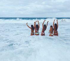 Girl, and friends best bud, bff pictures, best friend pictures, friend phot Best Friend Pictures, Bff Pictures, Friend Photos, Beach Pictures, Summer Goals, Summer Of Love, Surfer Girls, Best Friend Goals, Best Friends