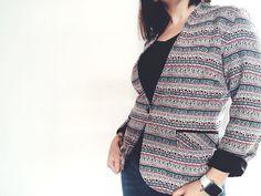 La couseuse de trucs: Veste Naïma : une vraie pépite ! Veste Naïma de Coralie Bijassen alias c'est moi le patron Men Sweater, Pullover, Blog, Sweaters, Fashion, Black Cotton, Stuff Stuff, Boss, Moda