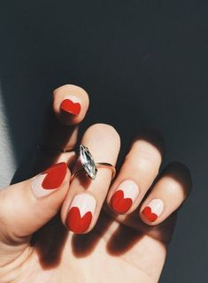 Add a touch of love to your manicure with a heart. It's a great way to add design to your next manicure. Find some heart nail art inspiration for your nails. Cute Nails, Pretty Nails, Gorgeous Nails, Heart Tip Nails, Heart Nail Art, Hair And Nails, My Nails, Red Tip Nails, Red Sparkly Nails