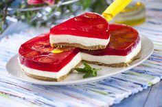 Receita de Semifrio de morango e gelatina. Descubra como cozinhar Semifrio de morango e gelatina de maneira prática e deliciosa com a Teleculinária!