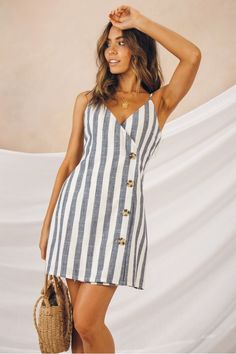Fortunate One is an exclusively online retailer, allowing us to build a brand without borders and reach smart, creative girls worldwide. Simple Summer Dresses, Summer Dresses For Women, Chic Outfits, Dress Outfits, Fashion Outfits, Blue Dresses, Casual Dresses, Dresses Dresses, Mini Dresses