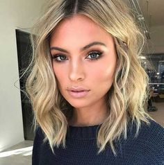 20 beste kurze Haare für welliges Haar You are in the right place about wavy hair sew in Here we off Cute Simple Hairstyles, Cool Short Hairstyles, Short Hair Styles, Hairstyle Short, Hairstyles Haircuts, Wavy Lob Haircut, 2018 Haircuts, Thin Hair Styles For Women, Wedding Hairstyles
