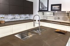 Neolith Countertops for a Modern Spaces with a Neolith and Modern Kitchen - Neolith by Stone Center Marble Kitchen Worktops, Types Of Kitchen Countertops, Countertop Backsplash, Porcelain Countertops, Kitchen Island, Home Design, Design Ideas, Stone Kitchen, May Designs