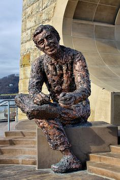 mister rogers statue, pittsburgh, pa. by J Blough, via Flickr