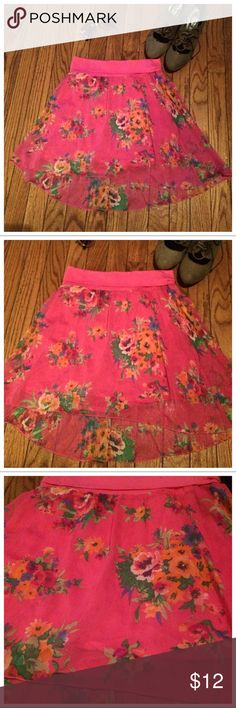 🌸NWT Aeropostale Pink Floral Hi Low Skirt🌸 The shell is 100% polyester and the lining 100% rayon. Aeropostale Skirts